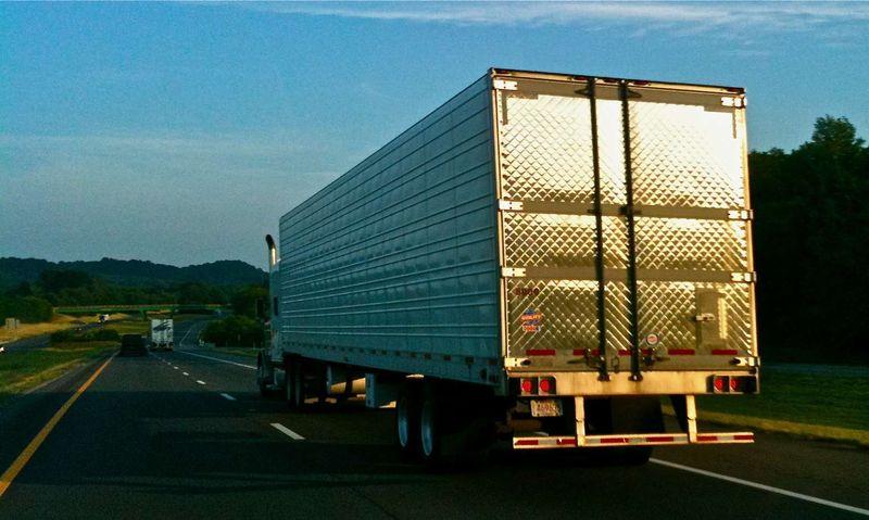 Truck photo 9