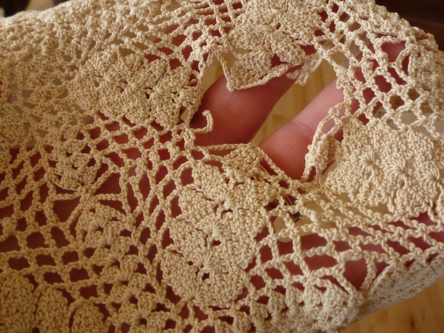 Antique piece of crochet 5:2012